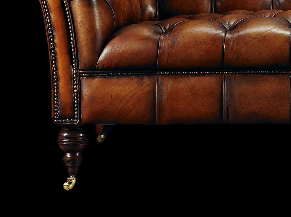 heirloom philip stanhope chesterfield sofa leg