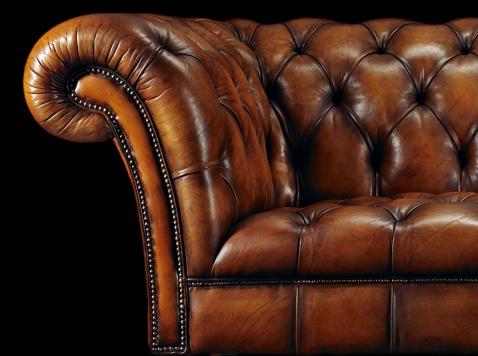 heirloom philip stanhope chesterfield sofa