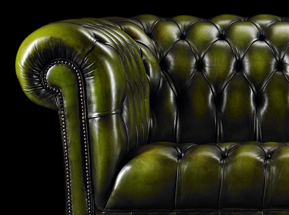 heirloom emerson chesterfield sofa